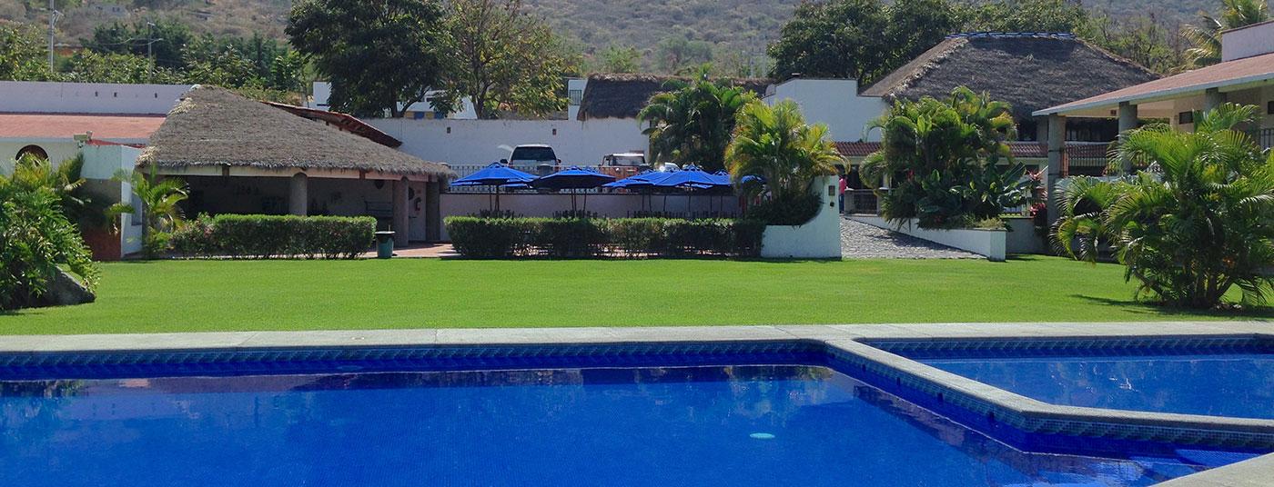 "<a href=""http://www.hoteliguanas.com/servicios/"">Una hermosa vista del <strong>Hotel Iguanas</strong></a>"